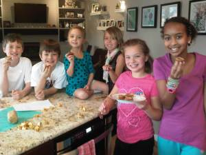 L-R: Alastair's friend Tate, Alastair, Magnolia, Dagny, Addie, Addie's friend Fiona, all helped make the delicious cookies.