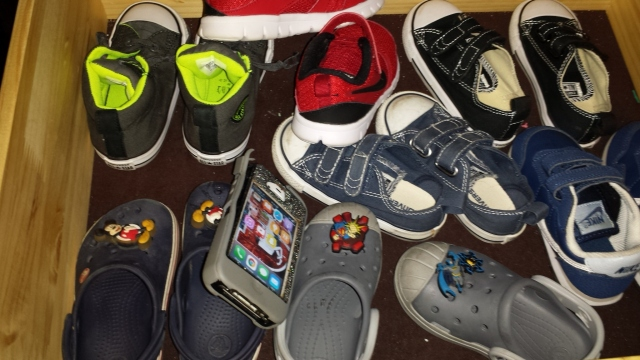 phone-amongst-cole-shoes
