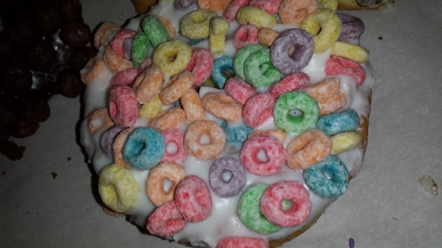 voo-doo-donut-fruit-loops